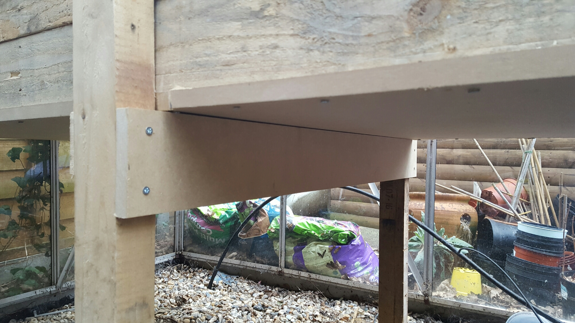 Propagation Bench Part - 35: Bracing For The Base Of A Heated Propagation Bench