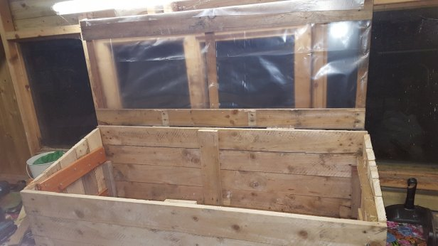 Make a cold frame from pallets