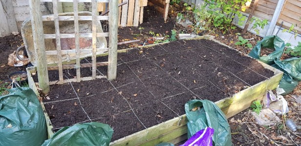 how to make a hot compost heap